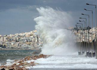 Κλειστό το λιμάνι της Κέρκυρας λόγω θυελλωδών ανέμων