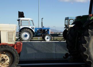 Μπλόκα αγροτών σε όλη τη χώρα