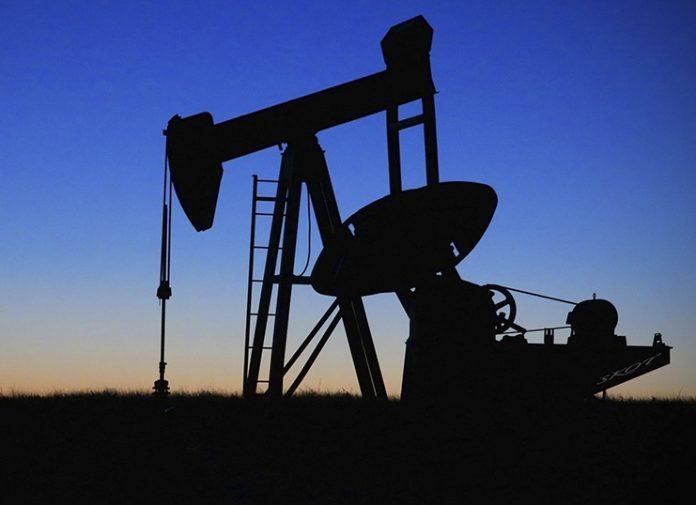 Άλμα καταγράφουν οι τιμές του αργού πετρελαίου καθώς χαλαρώνουν τα μέτρα περιορισμού