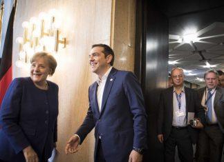 Tagesspiegel: Η Μέρκελ θα συζητήσει τη συμφωνία των Πρεσπών στην Αθήνα