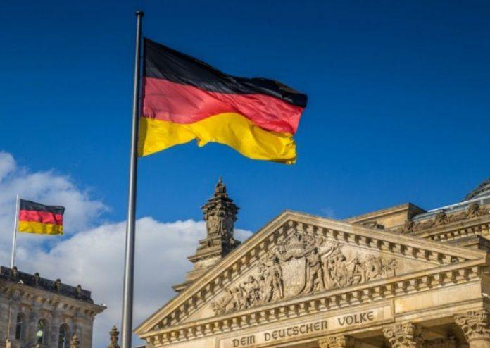 Γερμανοί πολιτικοί θεωρούν «δικαιολογημένες τις ελληνικές απαιτήσεις για αποζημιώσεις»