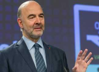 """Μοσκοβισί: """"Ελάφρυνση χρέους με εμπροσθοβαρή μέτρα"""""""