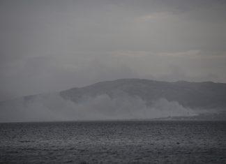 Συγκλονιστικό βίντεο: Η διάσωση ανθρώπων που έπεσαν στη θάλασσα