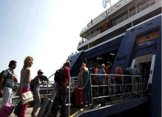 ΤτΕ: Στα 2,45 εκατ. οι τουρίστες το α' πεντάμηνο
