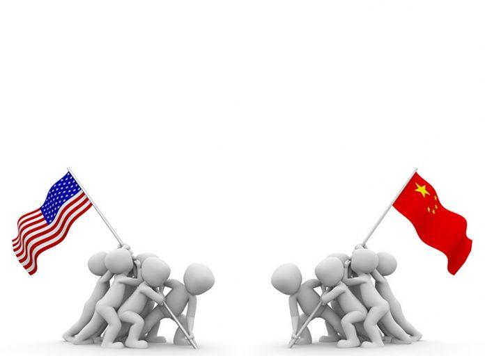 Κίνα-ΗΠΑ: Το Πεκίνο θα επιβάλλει «αντίποινα» στους αμερικανικούς δασμούς