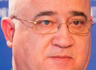 Νίκος Καραβίτης
