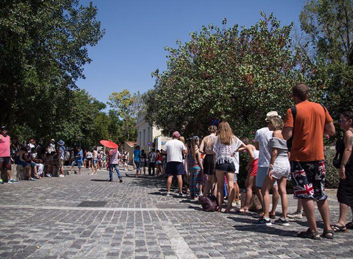 Πόσοι τουρίστες ήρθαν στην Ελλάδα τον Ιούλιο