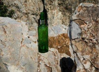 Σε θρίλερ εξελίσσεται η υπόθεση στα βράχια του Φιλοπάππου: Τι έδειξε η νεκροψία