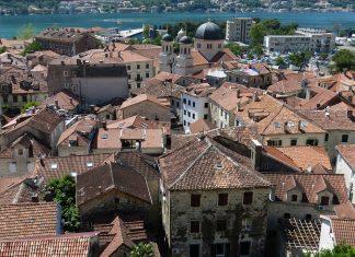 Die Zeit: «Η βαλκανιοποίηση των Βαλκανίων»