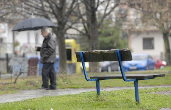 Πρόγνωση καιρού: Έρχεται πτώση θερμοκρασίας και καταιγίδες