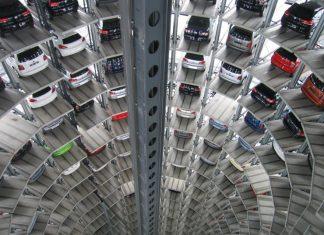 Οι Βρυξέλλες «θα απαντήσουν» αν η Ουάσινγκτον επιβάλει δασμούς στα ευρωπαϊκά αυτοκίνητα