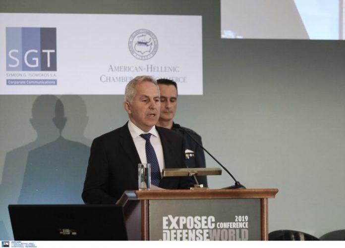 Συνάντηση Αποστολάκη-Ακάρ: Δεν υποχωρούμε από την υπεράσπιση των κυριαρχικών μας δικαιωμάτων