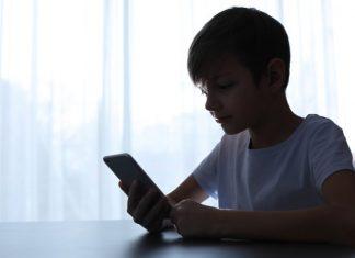 Ένα στα τρία παιδιά της δευτεροβάθμιας εκπαίδευσης έχει συναντηθεί με κάποιον που γνώρισε στο διαδίκτυο