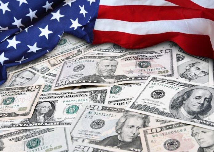 Ο Ντ. Τραμπ υπέγραψε το σχέδιο νόμου για την τόνωση της αμερικανικής οικονομίας