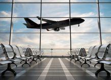 Την υποχρεωτική χρήση μάσκας σε αεροδρόμια και αεροπλάνα θα ανακοινώσει η ΕΕ
