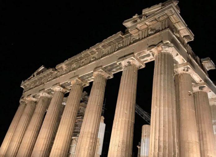 Αποδίδεται απόψε ο νέος φωτισμός της Ακρόπολης