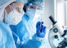 Εμβόλια κατά της COVID-19: Επιταχύνονται διαδικασίες παντού στον κόσμο