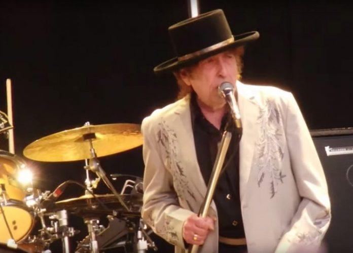 Στο Διαδίκτυο, μια συναυλία του Dylan του 2002 με εξαιρετικό ήχο (audio)