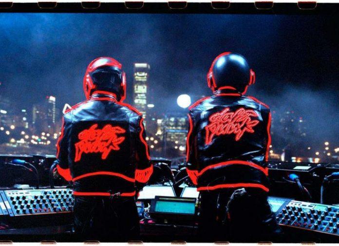 Οι Daft Punk στη μνήμη μας με το show στο Coachella 2006 (vid)